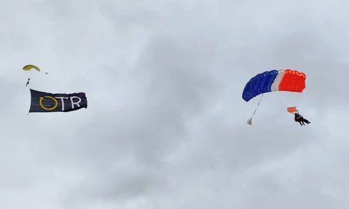 SA Skydiving takes OTR Flag and Supercar Mum's into the Bend
