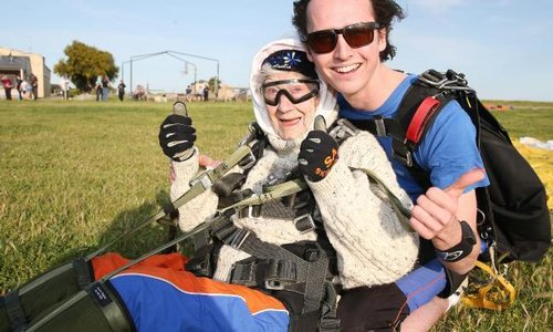 SA Skydiving | Adelaide | Articles | Irene O'shea sets World Record becoming oldest female skydiver in the World! All for Charity